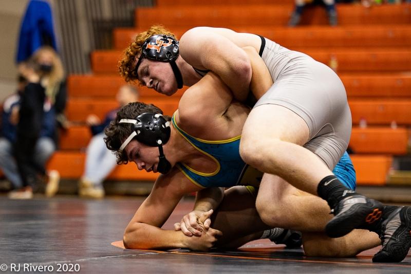 2020-12-5-LC-Wrestling-7